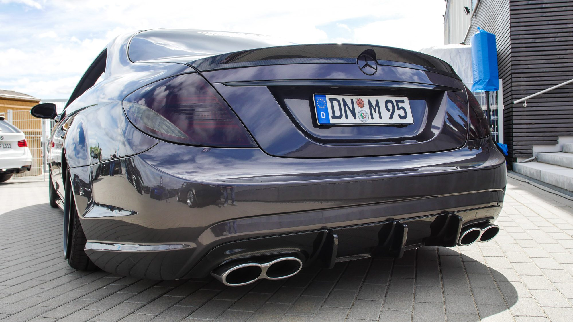 Fette Heckpartie des Mercedes CL500