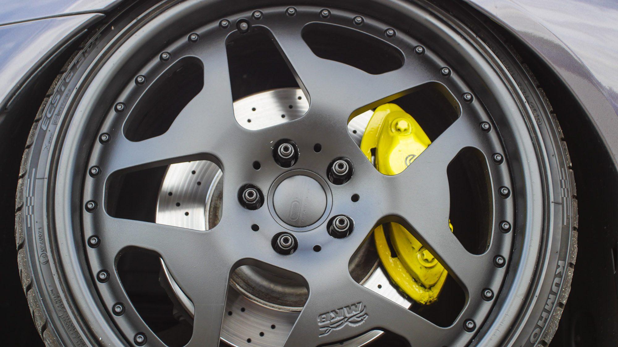 Detailansicht der Räder auf dem Mercedes CL500