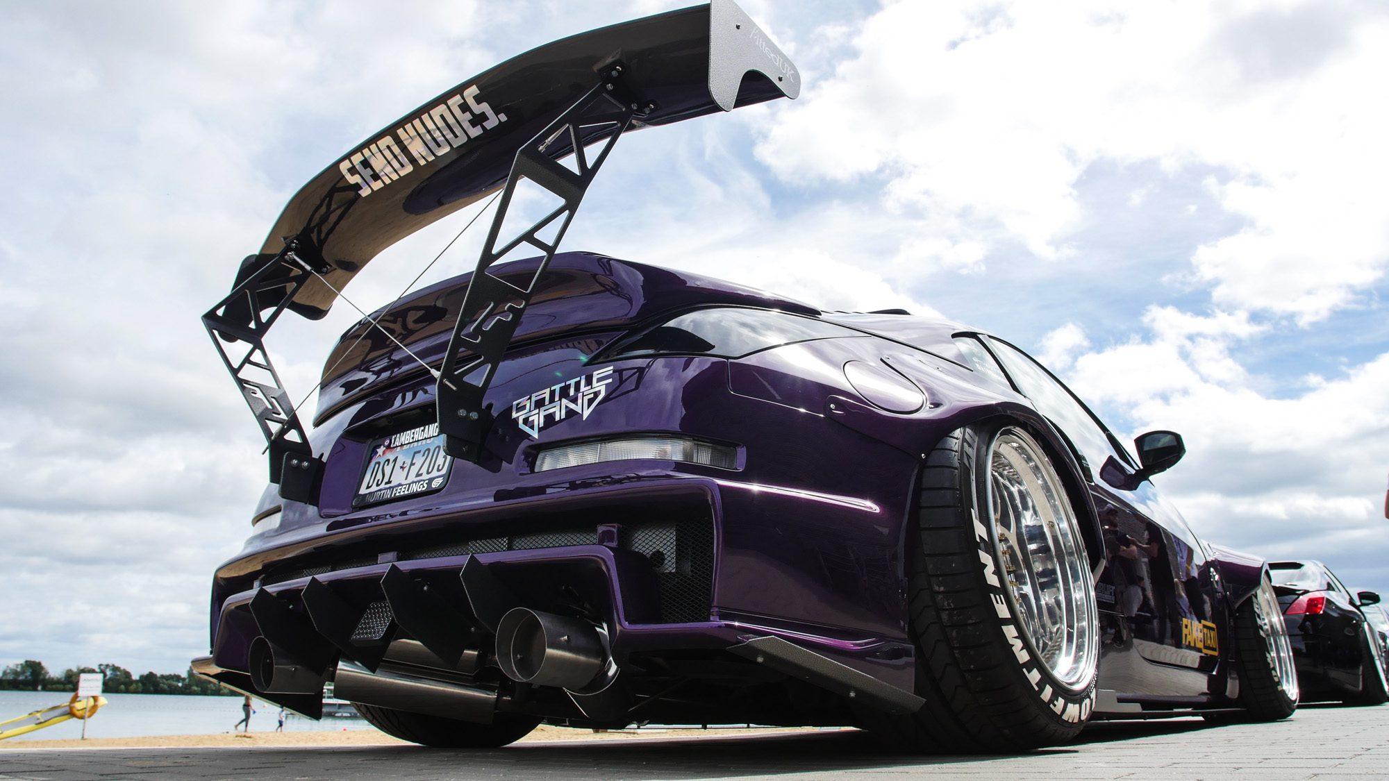 Gewaltiger Flügel am Heck des Nissan 350Z