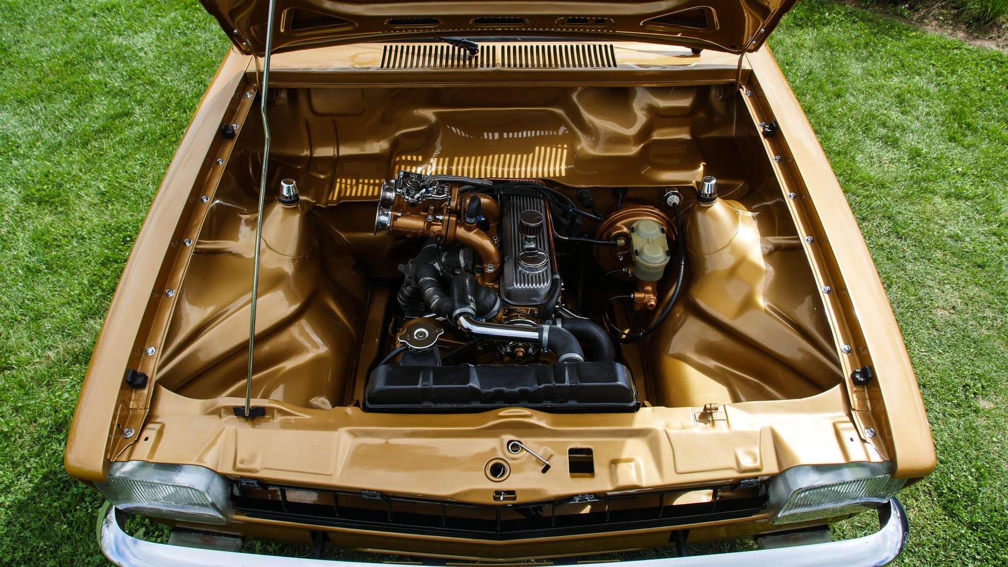 Komplett cleaner Motorraum des Opel Kadett C Caravan