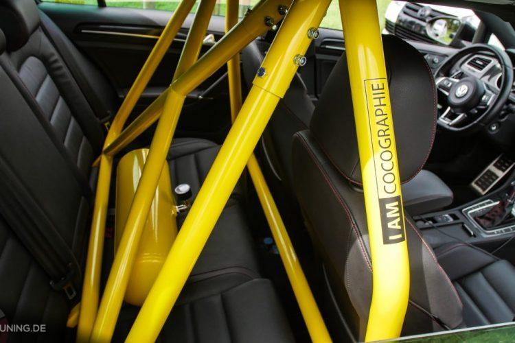 Steht auf gelbe Gitter: VW Golf VII GTI