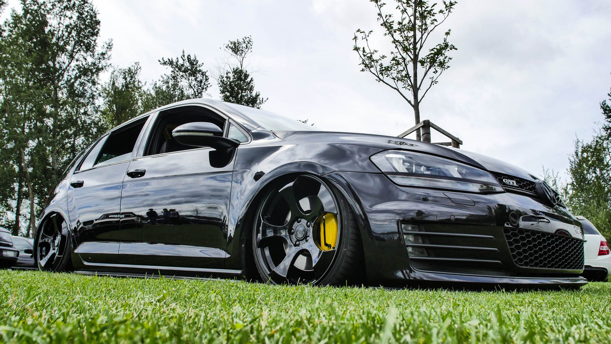 Flache Flunder: VW Golf VII GTI