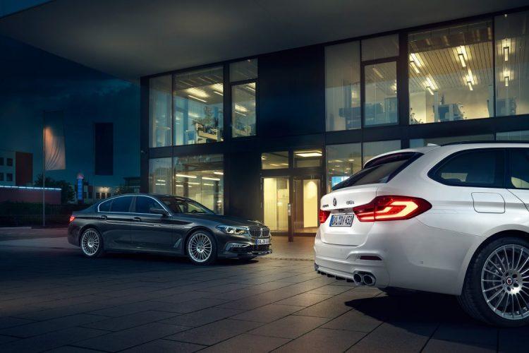 Macht vor jedem Gebäude eine gute Figur: Der Alpina DS 5 als Limousine und Touring