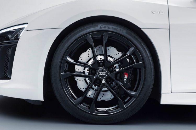 Die schwarzen 19-Zoll-Räder des Audi R8 V10 RWS