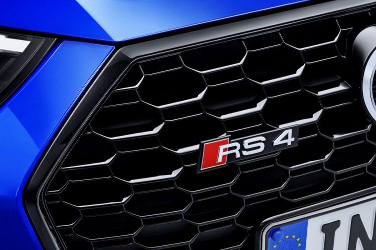 Auch der Audi RS 4 Avant trägt den Schriftzug, der Fahrspaß pur verspricht!
