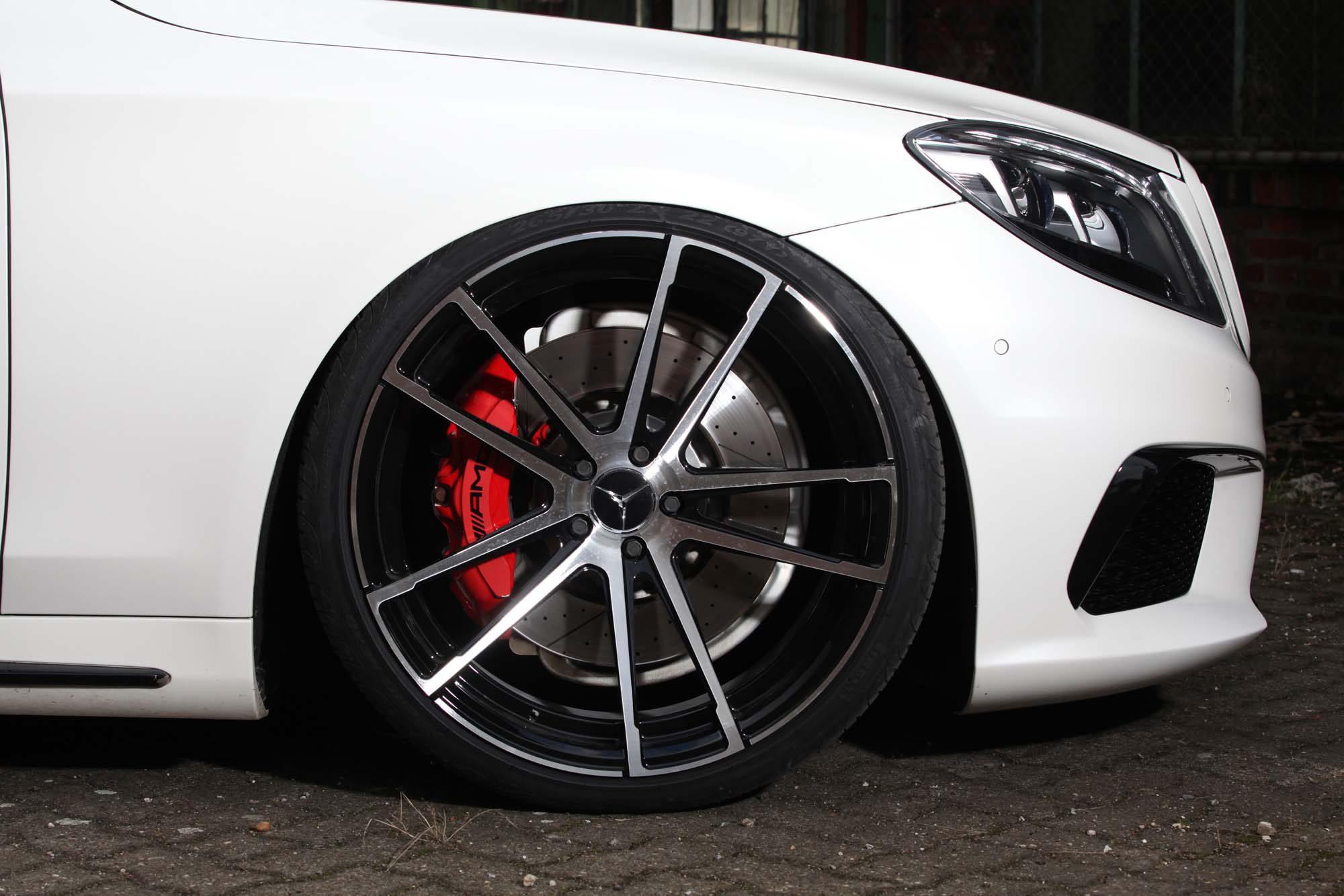 Heiße 22-Zöller schmücken den Mercedes-AMG S 63 L von Inden Design