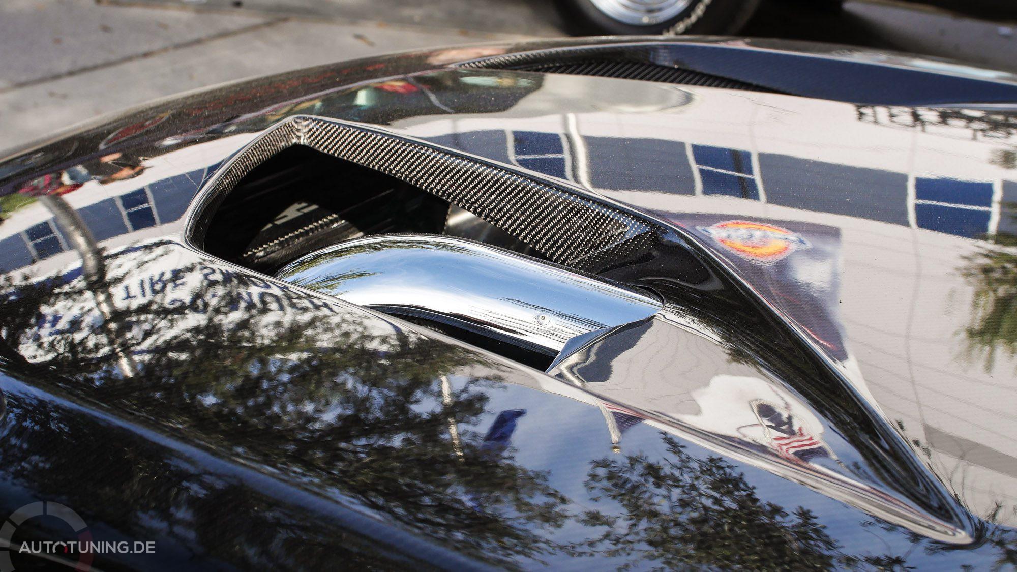 Dieser Ford Mustang geizt nicht mit seinen Reizen: Motorhaube aus Carbon