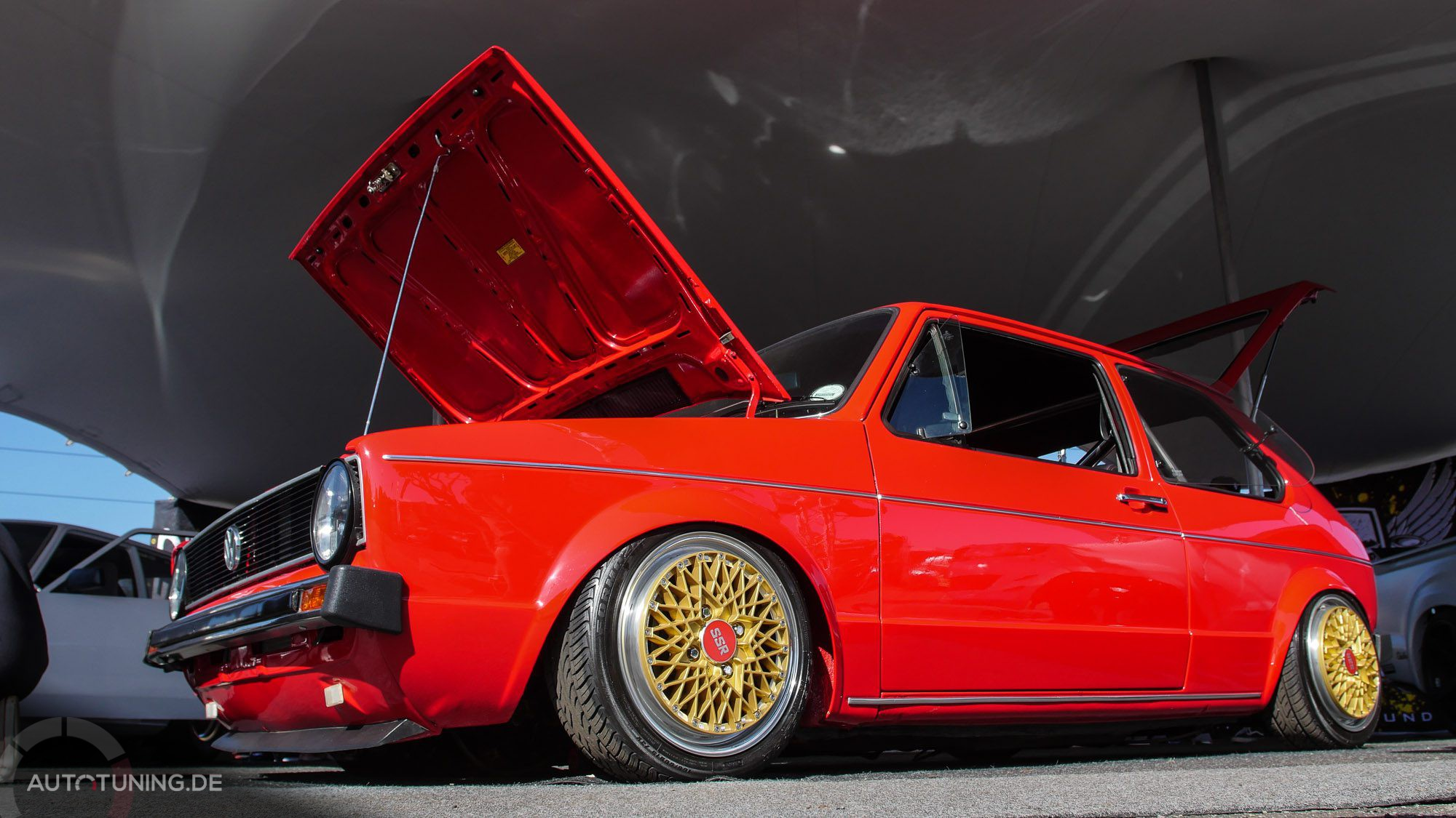 Markante rote Farbe beim VW Golf MK1