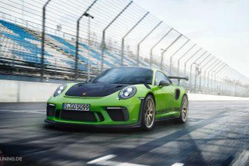 Porsche GT3 RS 2018 in grün auf einer Rennbahn