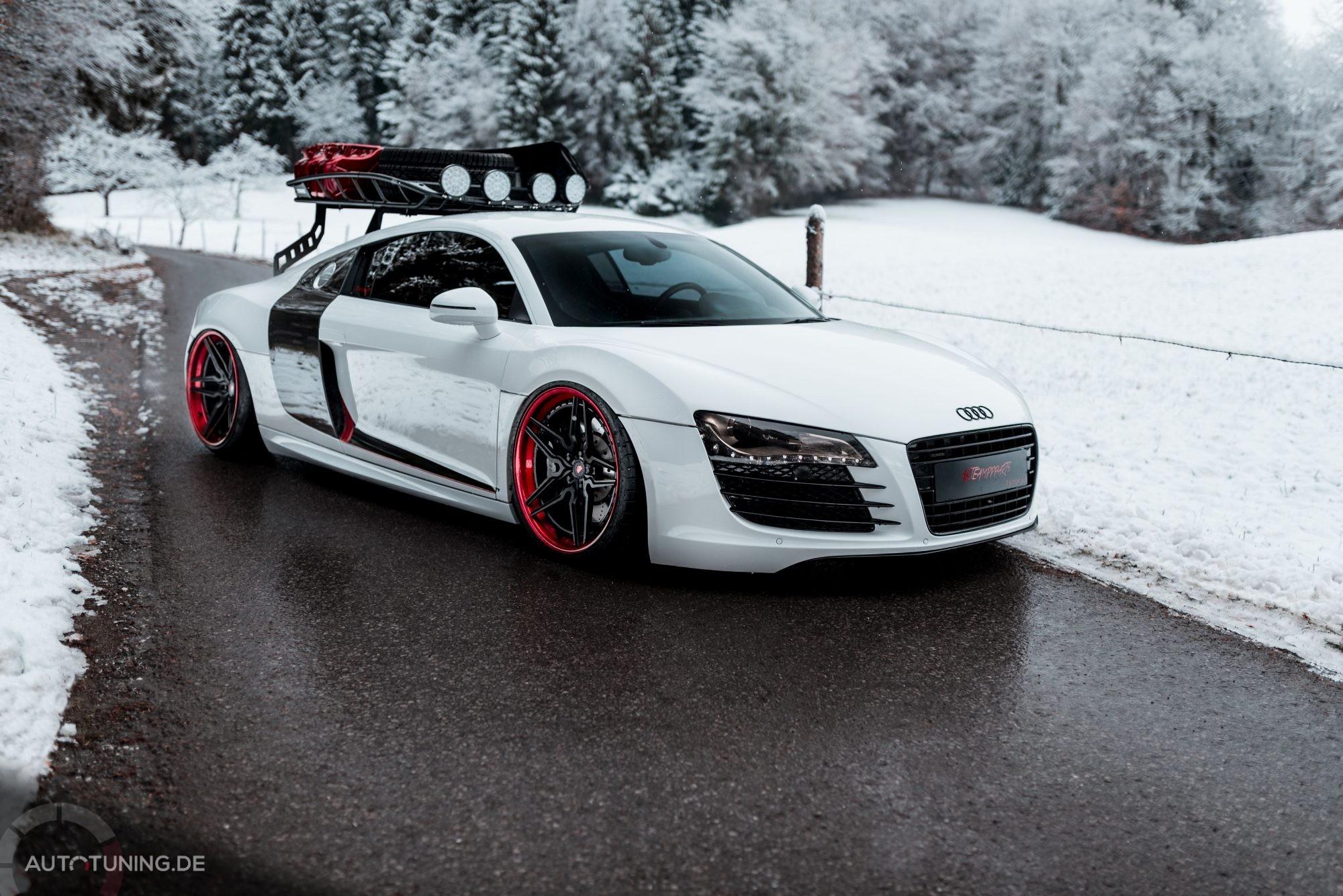 Audi R8 von Simon Rohner auf einer Straße im Winter