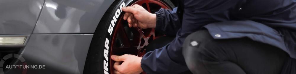 Reifenaufkleber anbringen